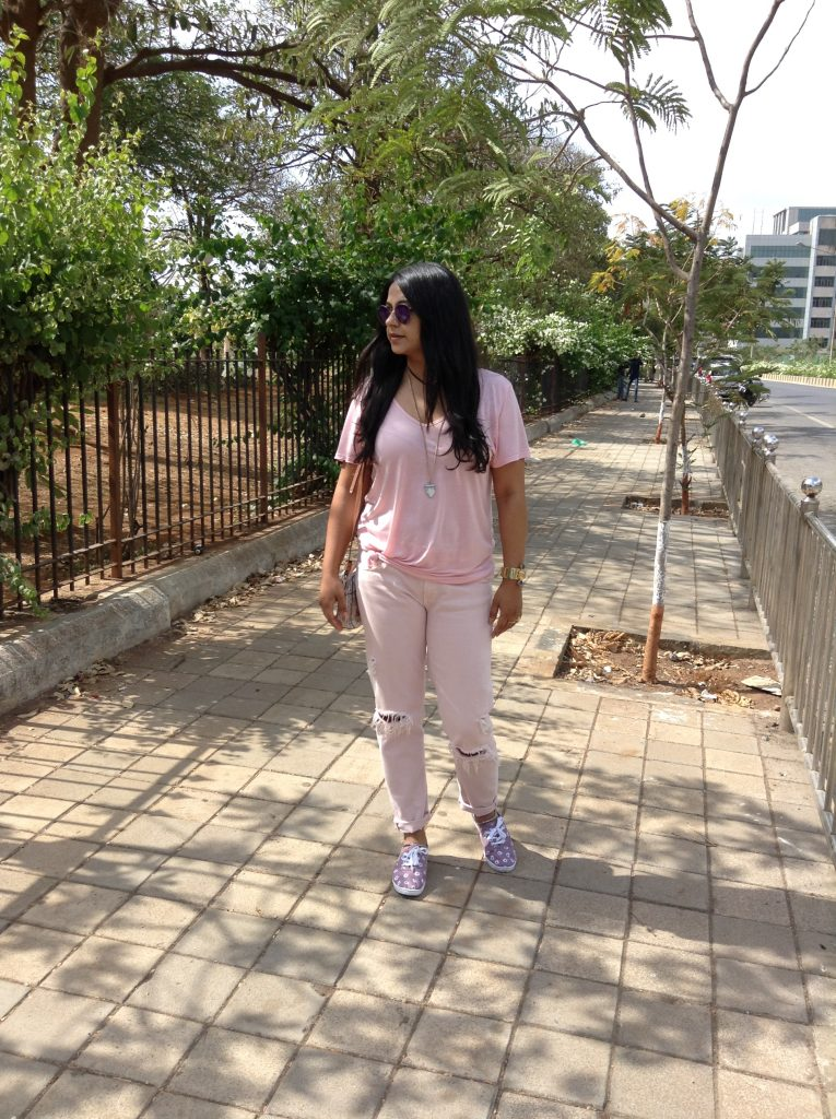 monochrome - fashion and frappes