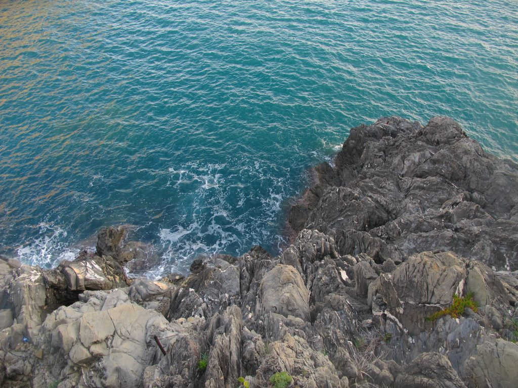 Cinque Terre Italy Rocks Beach Sea Water