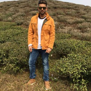 Karan Kundra roadies winter jacket