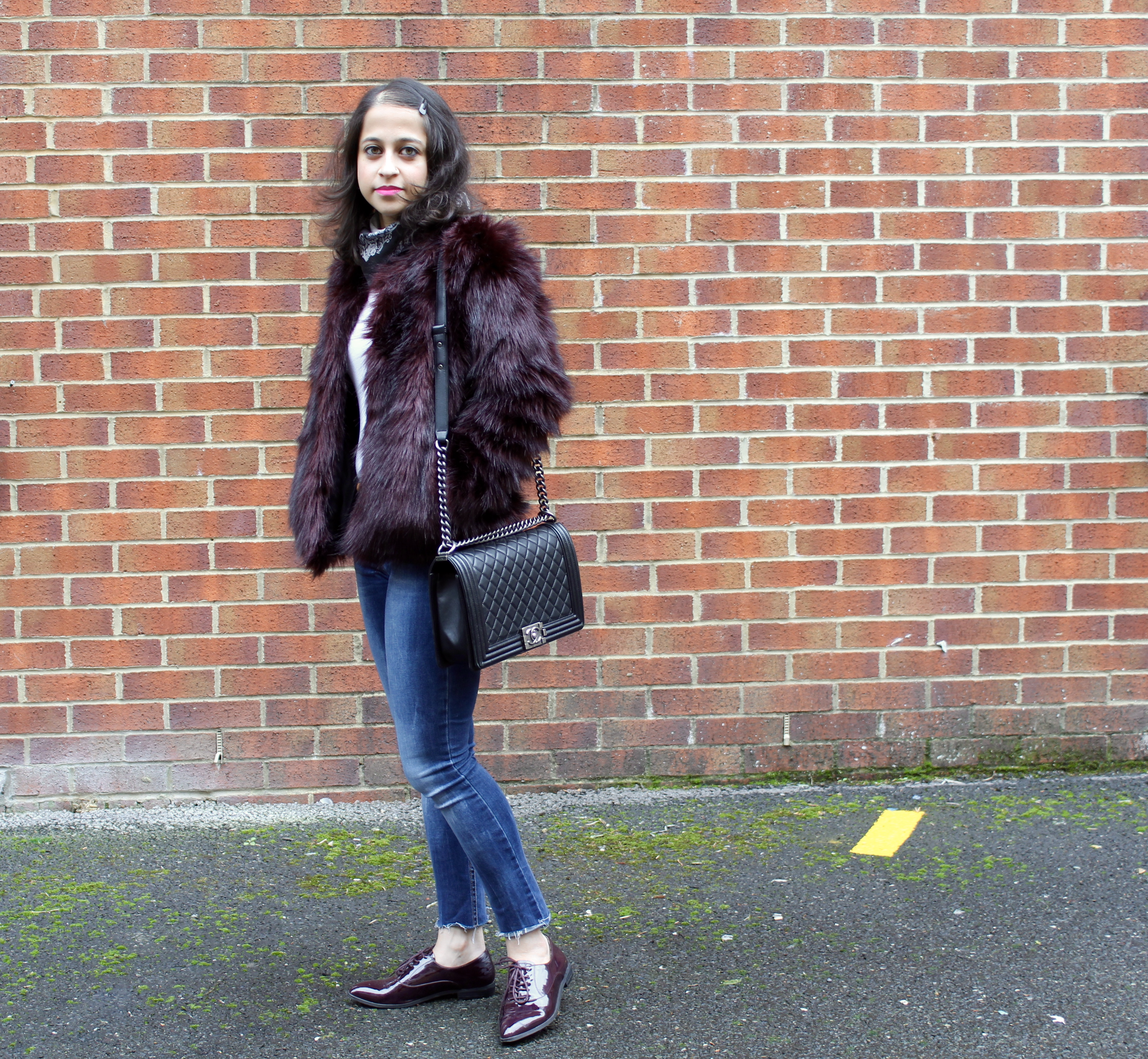 Oxford shoes and faux fur