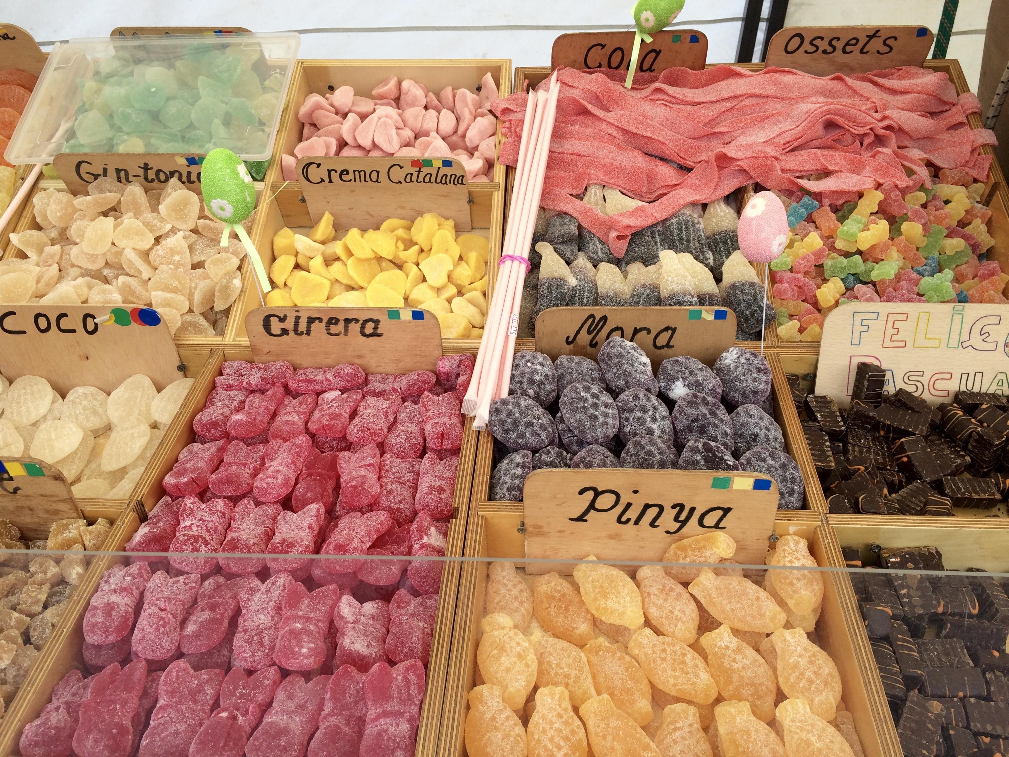 Barcelona cake dessert food