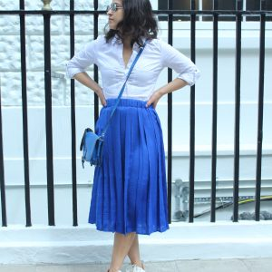 Midi skirt bright blue Mango