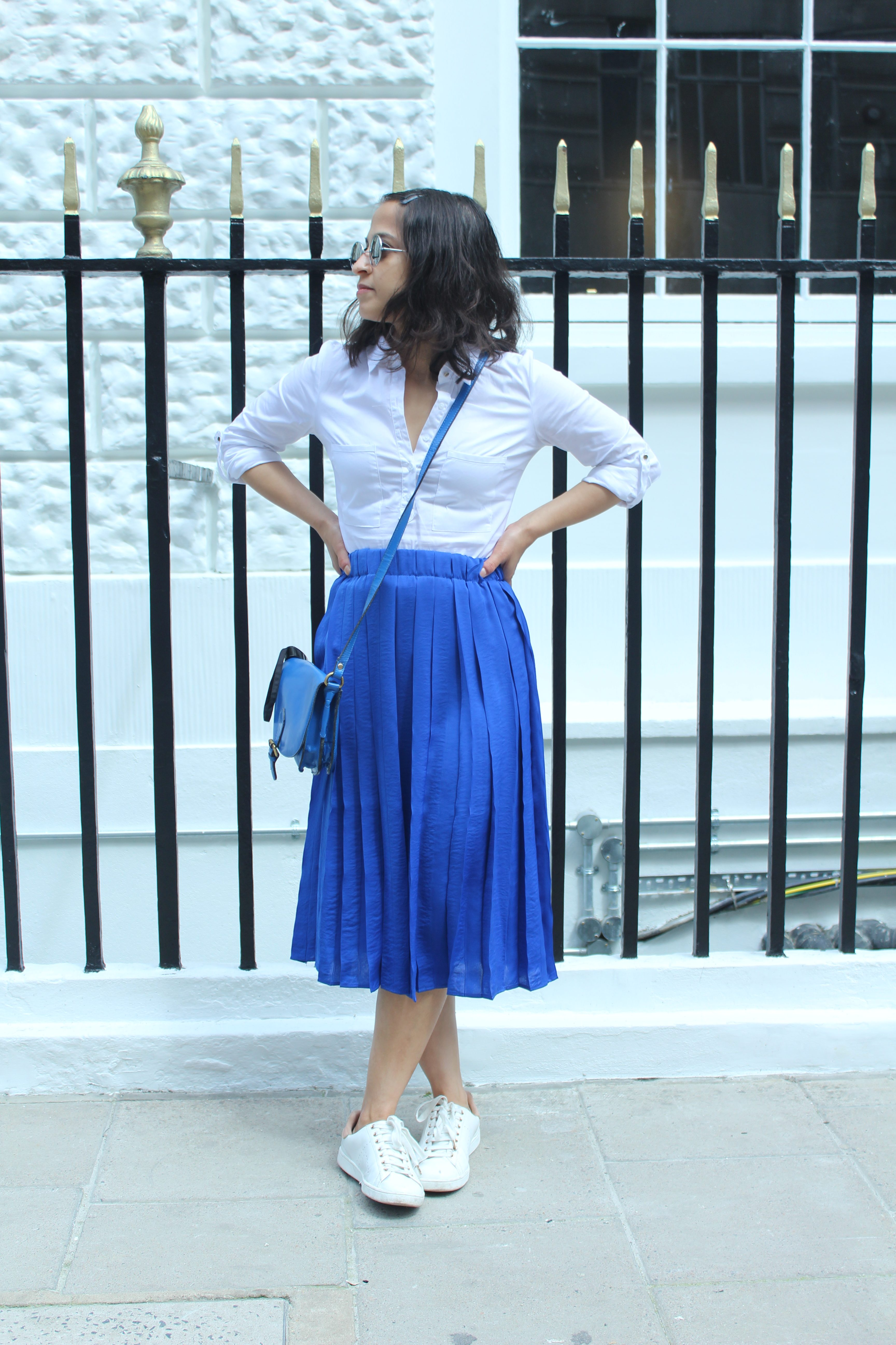 Midi skirts bright blue Mango
