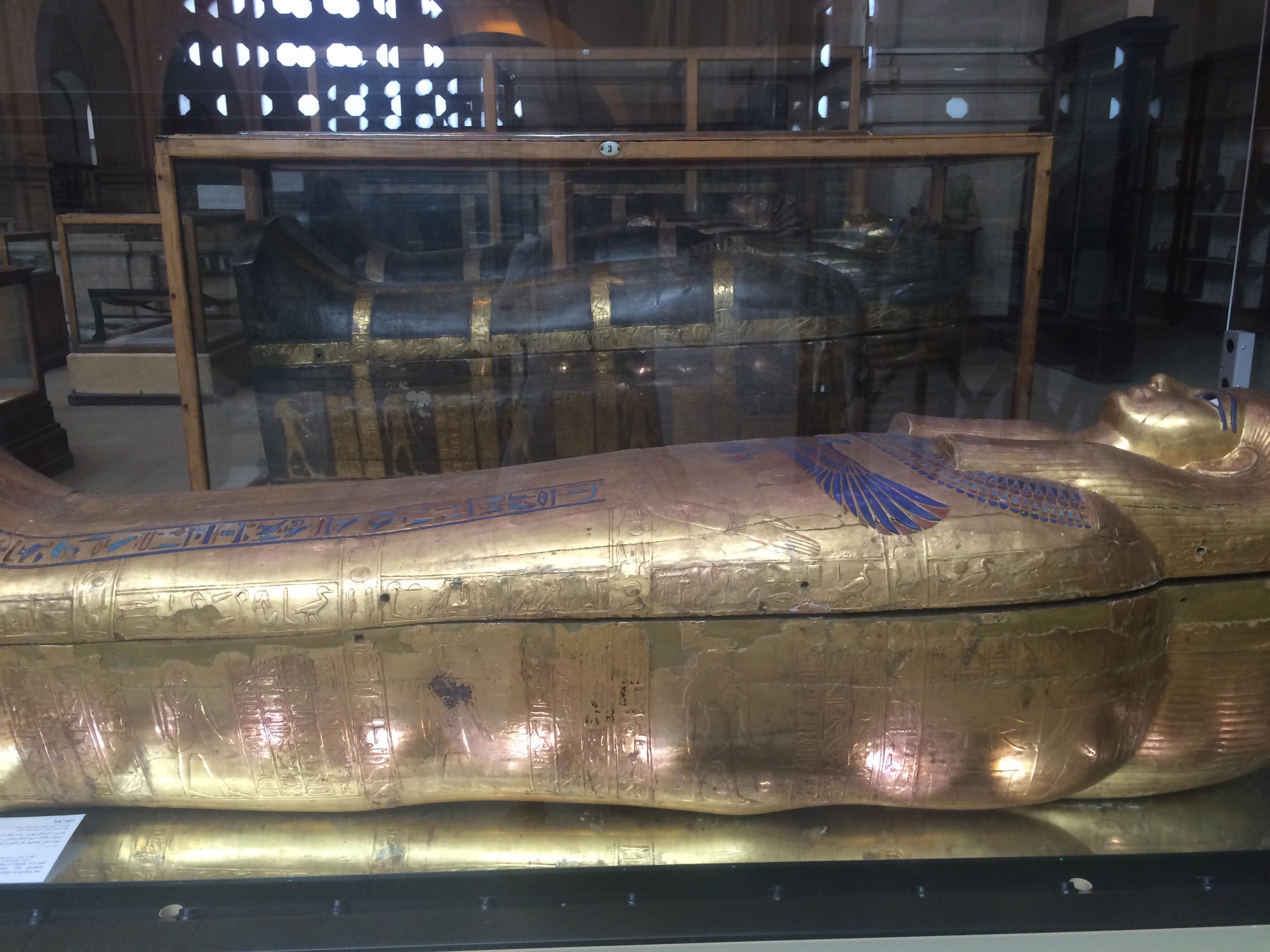 GOld mummy Cairo museum