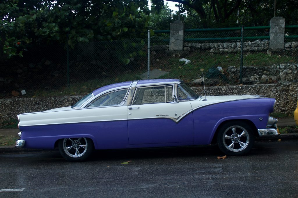 Purple Vintage cars Classic cars in Havana