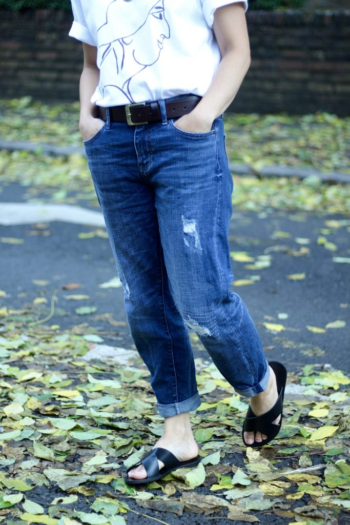 White tee and blue boyfriend jeans Uniqlo JW Anderson