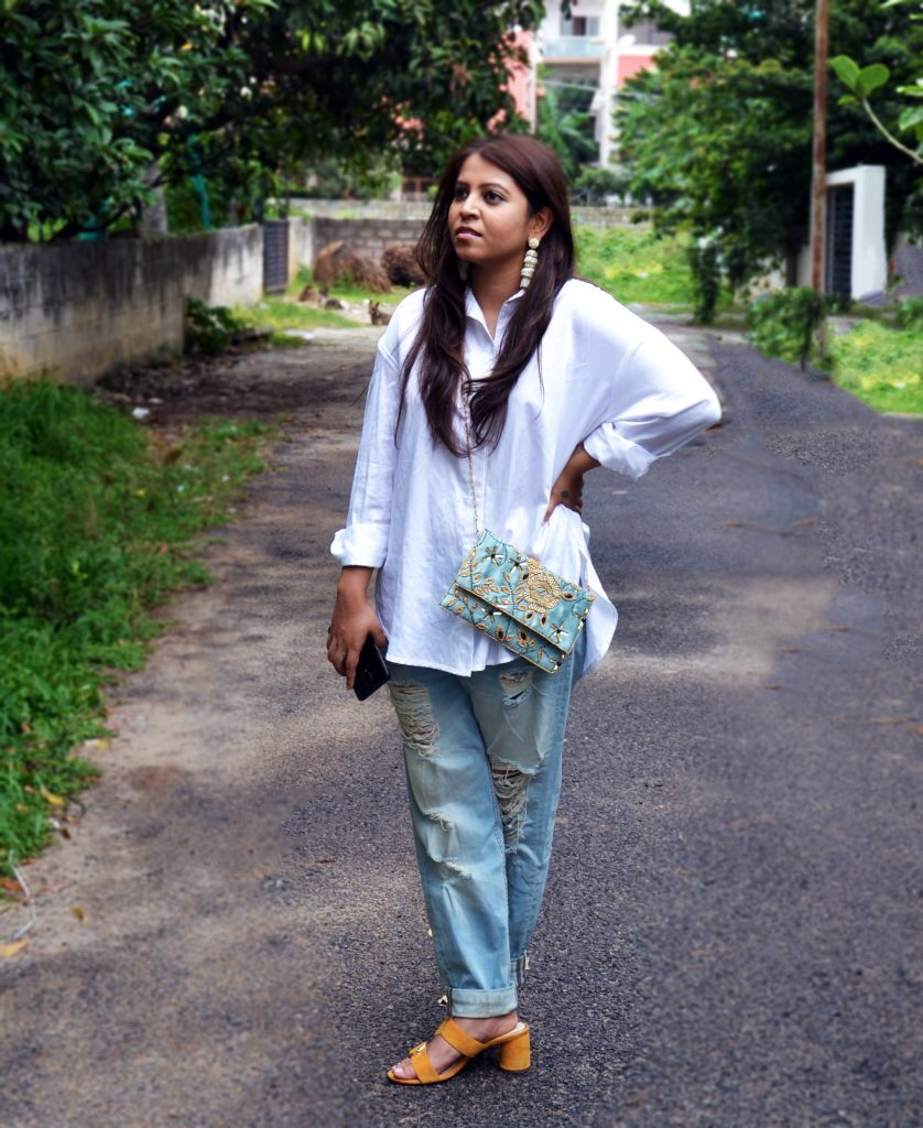 Evening bags with everyday outfits - fashion and frappes