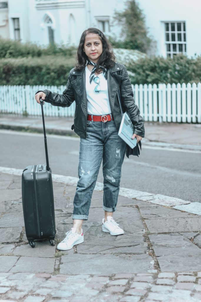 Airport Outfits - Organic Basics white tee boyfriend jeans Gucci belt
