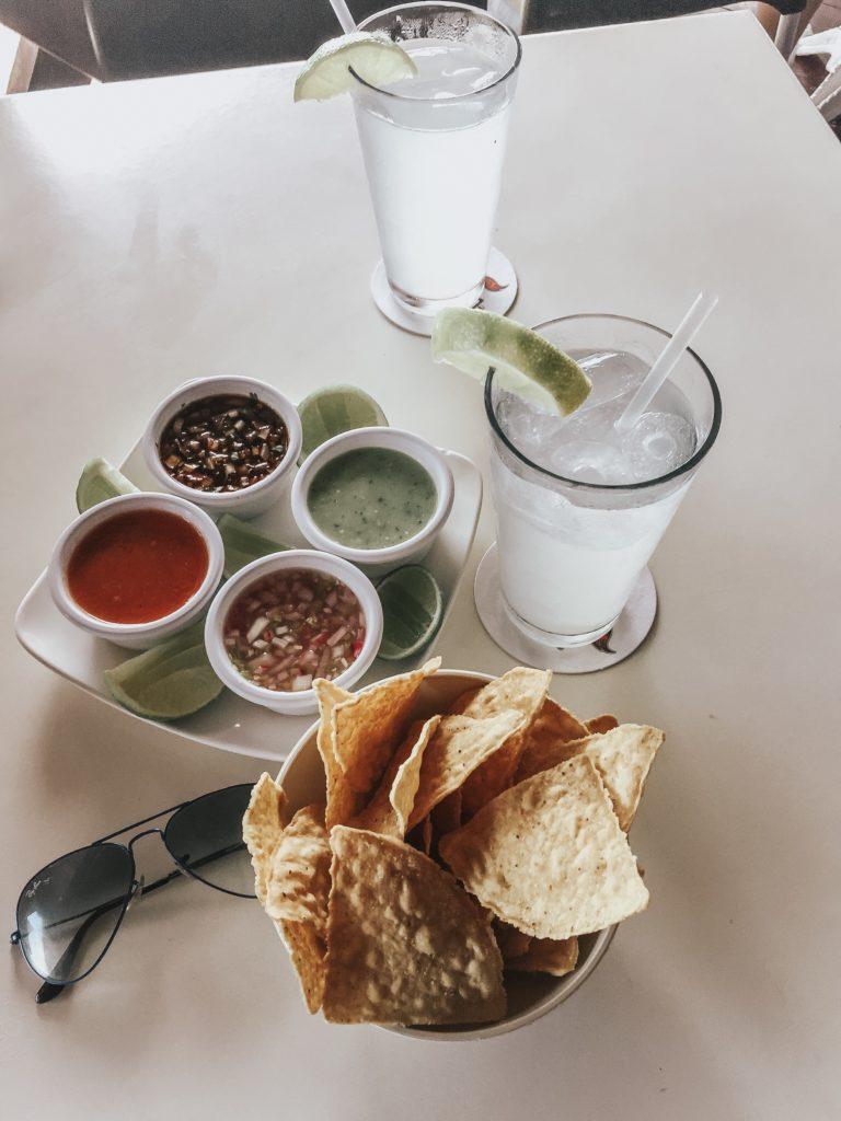 Mexican food Guacamole