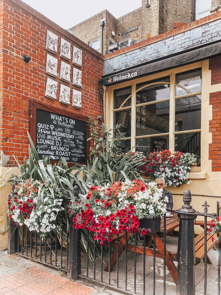 Love living in London flowers in London pub